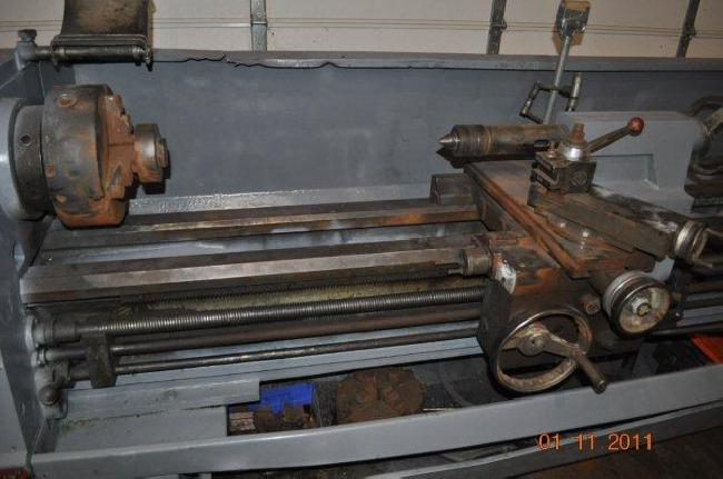 17_X_120_Clausing_Engine_Lathe_11058D_pic_5.jpg