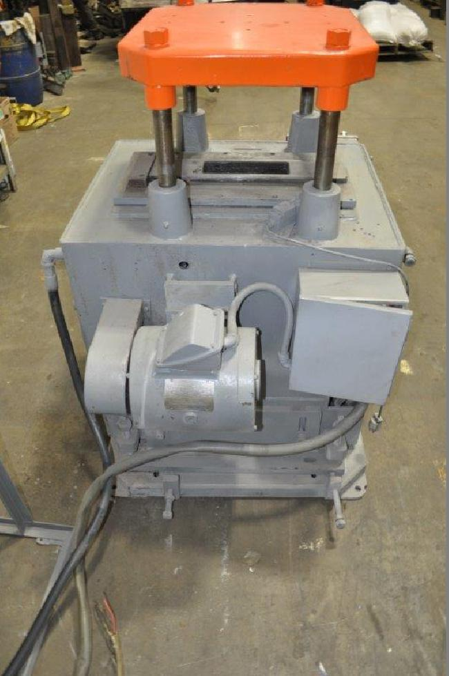20 Ton Michigan Cut Off Press 26030E pic 4.jpg