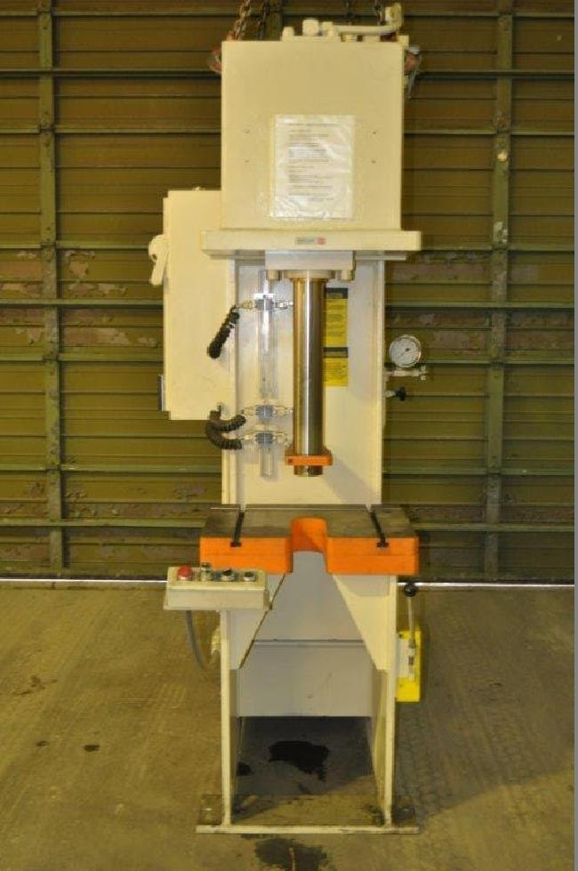 20 ton p and h press 16093 pic 1.jpg