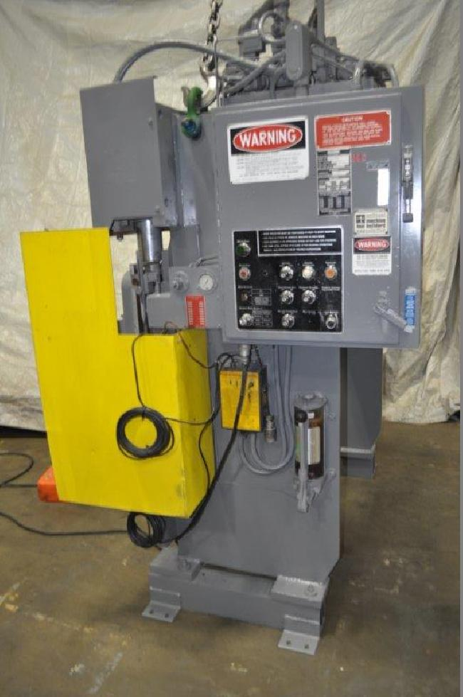 55 Ton Pacific Press Brake 15026A pic 3.jpg